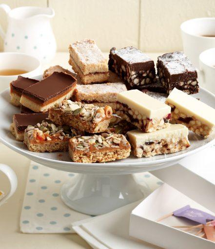afternoon-tea-party-enjoy-crumb-gift-box
